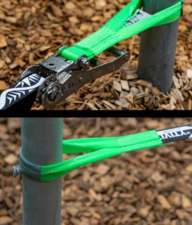 """Just perfect for permanent outdoor use. The new SLACKTIVITY ratchet of the """"Allround light"""" Slackline is made of INOX steel and therefore won't rust anymore. This line is the perfect beginner slackline of 37mm width that is meant to be rigged between 2 slackline poles. Available now on slacktivity.DE and slacktivity.CH. For now it is only the """"Allround light"""" that has an INOX ratchet. In future we will also have the """"Allround"""" and """"Experience"""" slacklines equiped with INOX ratchets.  Stainless steel (INOX) has the advantage that it lasts much longer than galvanized or chrome-plated steel in permanent outdoor use. Also unlike e.g. chrome plated steel it is not toxic and therefore much better for the health of the user.   #slackline #slacklife #beginner #balance #ratchet #inox #stainless"""